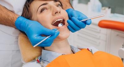 השלמת שיניים דרכי פעולה של שיניים חסרות בפה