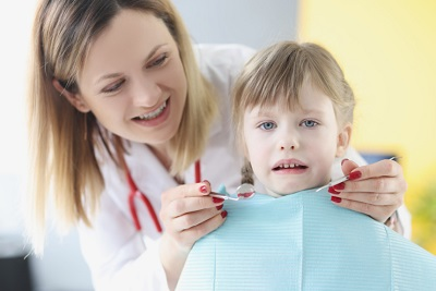 מתי מתבצע טיפולי שיניים לילדים